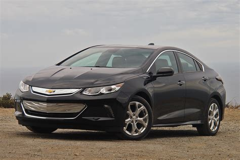 How the 2016 Chevy Volt added 18 miles of EV range | Autoblog